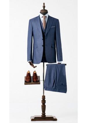 Костюм тройка голубой, из фактурной ткани со стрейчем