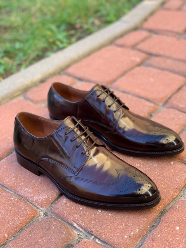 Туфли коричневые глянцевые с бронированным носиком