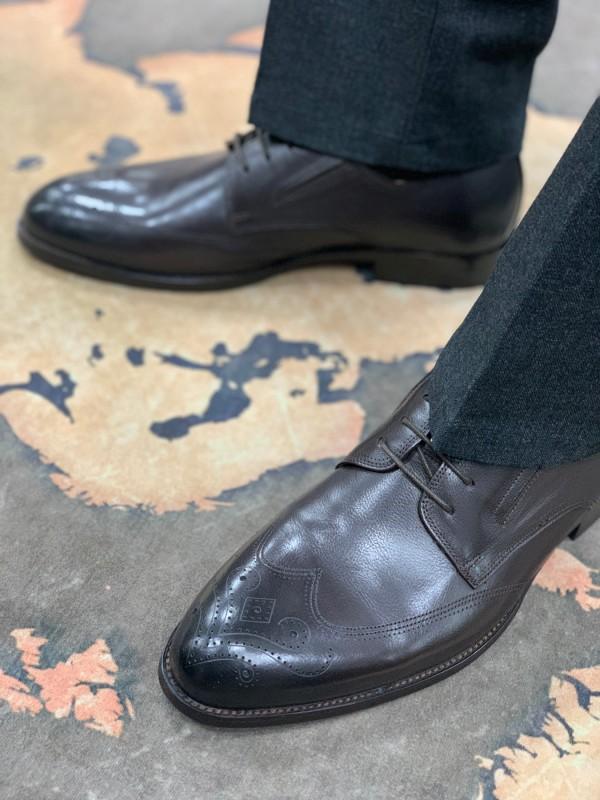 Туфли коричневые классические с бронированным носом