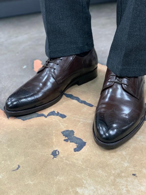 Туфли коричневые матовый лак, классические с бронированным носом