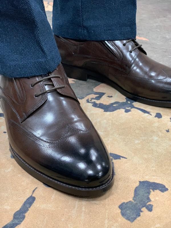 Туфли дерби коричневые с отстроченным носом