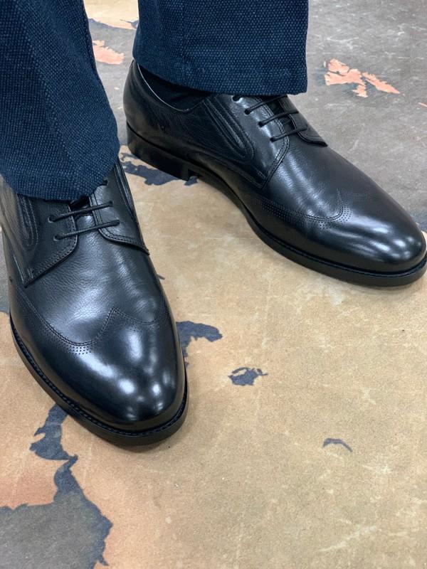 Туфли дерби черные с отстроченным носом
