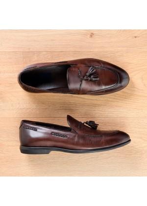 Туфли лоферы коричневые с кисточками