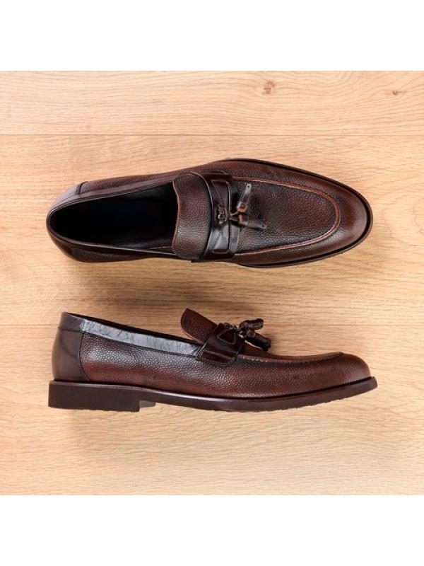 Туфли лоферы с кисточками коричневые