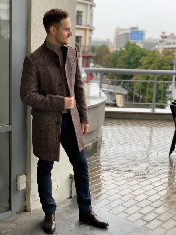 Пальто коричневое в елочку, ворот стойка