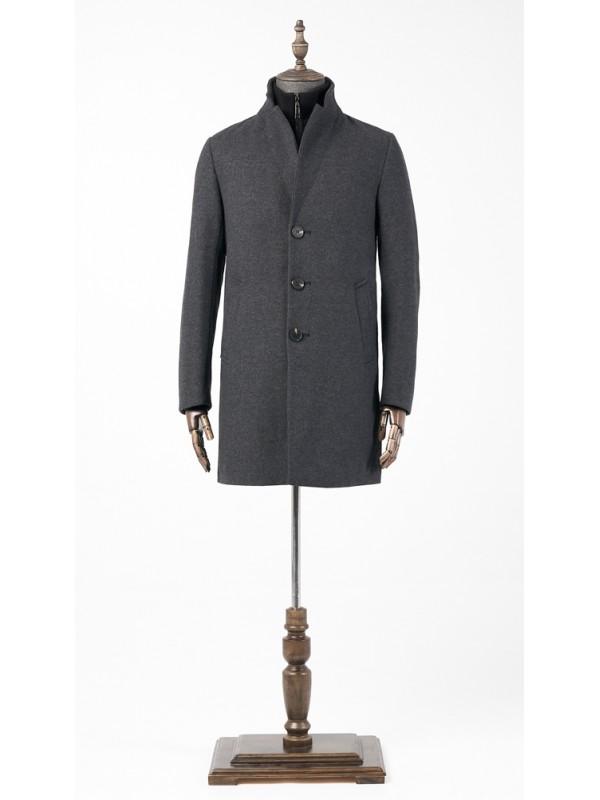 Пальто серое утепленное с трикотажной отстегивающейся манишкой