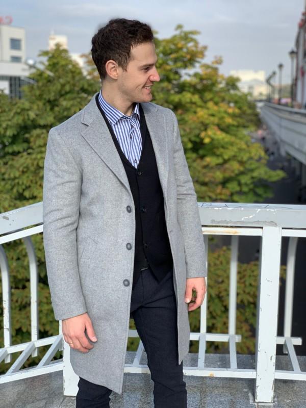 Пальто утепленное светло серое