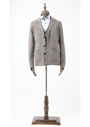 Пиджак коричневый в клетку трикотажный